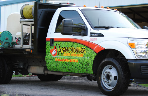 Top 4 Factors to Consider When Choosing a Lawn Care Service